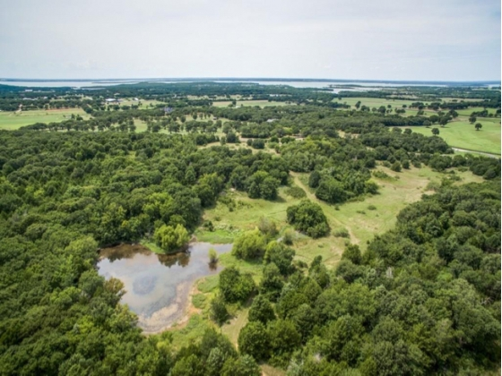 60 Beautiful Acres Minutes from Lake Ray Roberts and Isle Du Bois State Park