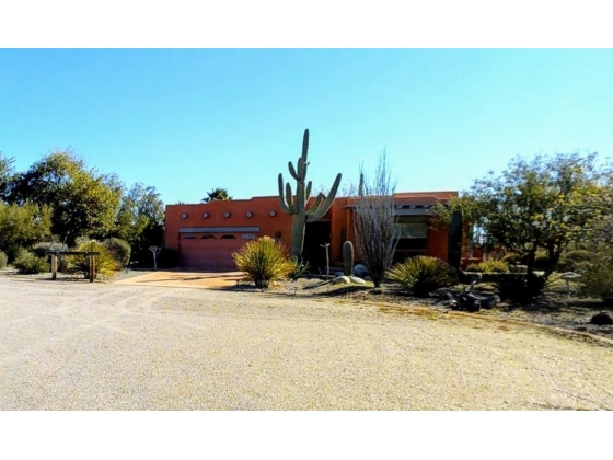 Stunning Santa Fe with Horse Facilities on 10 Acres