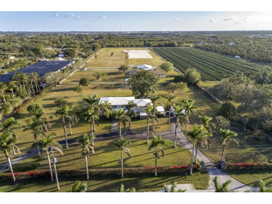 NEAR MIAMI REDLAND TEN ACRE OASIS HOME  FINEST  EQUESTRIAN COMPOUND, LAGOON