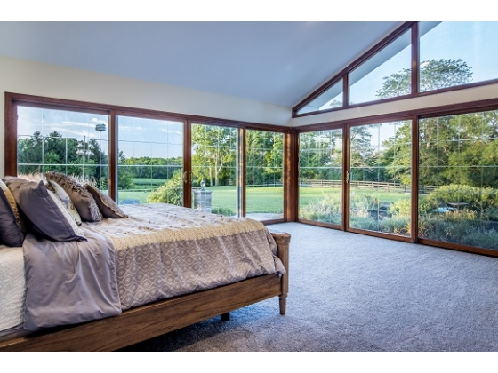Amazing Master suite with garden and lake private views!