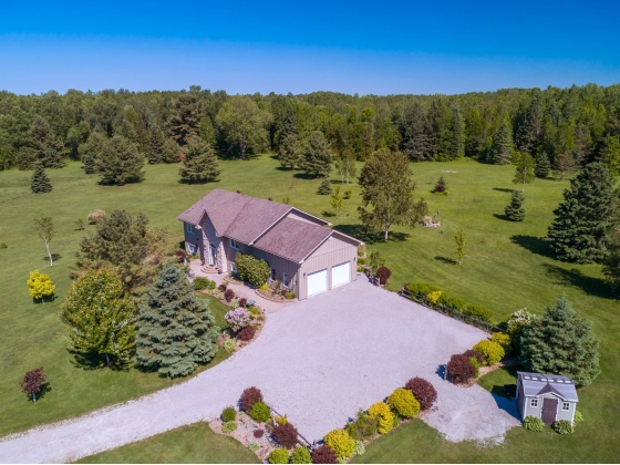 141.9 Acre Country Estate For The Horse & Wildlife Lover