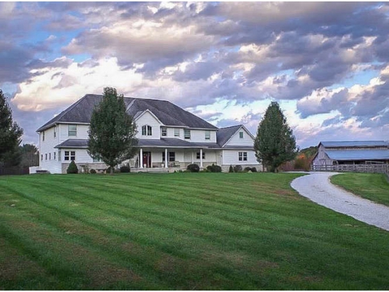 HORSE FARM ESTATE FOR SALE IN BLOOMINGTON, IN!