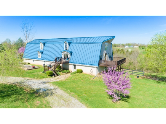 Amazing Barn Conversion on 22+ acres