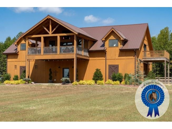 Stunning Tennessee Horse Farm and Barndominium For Sale