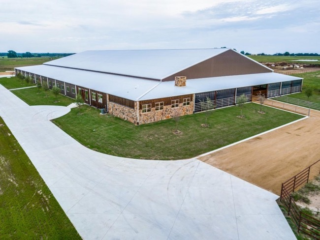 World-Class Equestrian facility in the heart of Horse Country.
