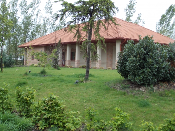 4,6 hectares of ranch is for sale only 30 minutes from Budapest/Hungary